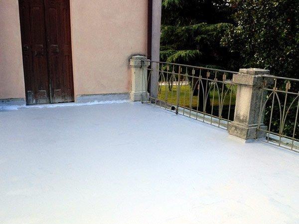 eliminare infiltrazioni acqua dal balcone
